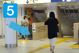 【写真】新宿東口地下通路より05